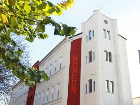 301 moved permanently for Wuppertal amical hotel