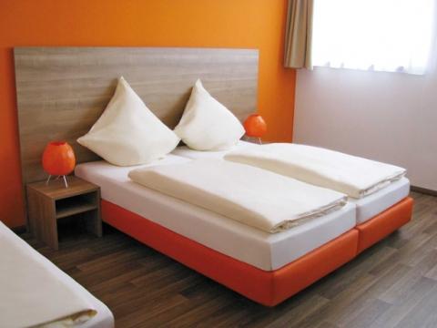 Orange Hotel und Apartments