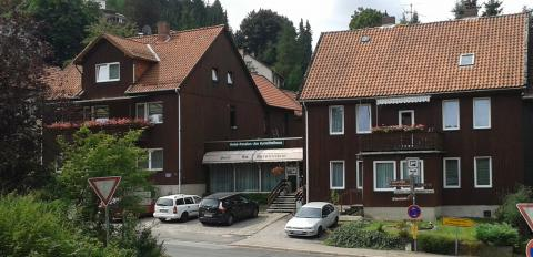 Hotel-Pension Am Kurmittelhaus