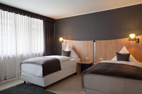 hotel asahi d sseldorf in d sseldorf de beste aanbiedingen. Black Bedroom Furniture Sets. Home Design Ideas