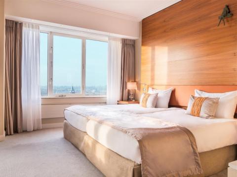 Superior city view junior suite twin