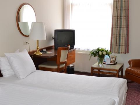 Fletcher hotel restaurant de zalm in brielle de beste aanbiedingen - Kamer met bad ...