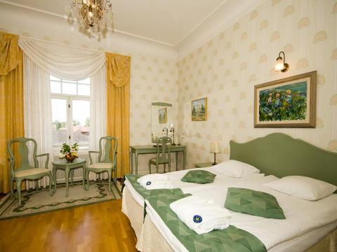 Hotel �m�ls Stadshotell