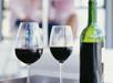 Fles wijn op de kamer